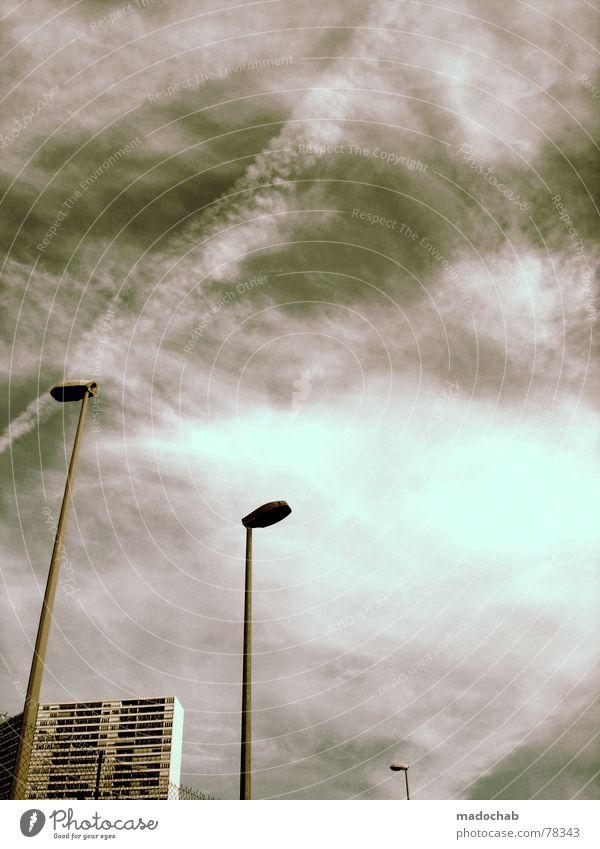 ANONYMiCITY Himmel Wolken schlechtes Wetter himmlisch Götter Unendlichkeit Haus Hochhaus Gebäude Material Fenster live Block Beton Etage Vermieter Mieter trist