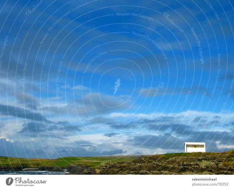 endstation bergkuppe _2 Himmel Natur Wasser grün blau Sonne Ferien & Urlaub & Reisen Meer Wolken ruhig Einsamkeit Ferne Haus Erholung Wiese dunkel