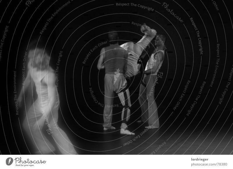 egotanz Mensch schwarz Bewegung Fuß Tanzen laufen Geschwindigkeit Tanzveranstaltung egoistisch Tanztheater