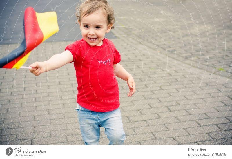 hallo Deutschland sportlich Kinderspiel Weltmeisterschaft Publikum Fan feminin Kleinkind Mädchen 1 Mensch 1-3 Jahre T-Shirt Fahne Deutsche Flagge Feste & Feiern