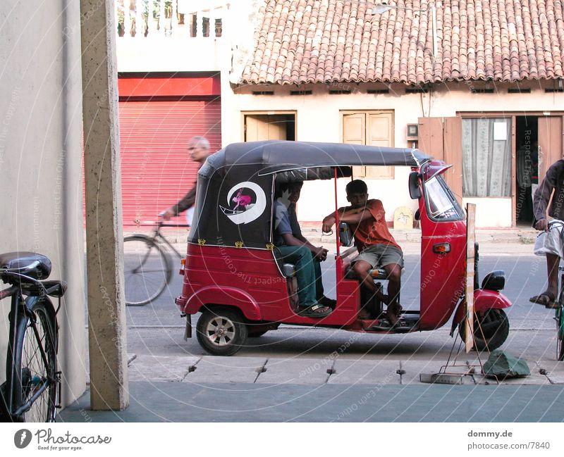 TuckTuck Verkehr Sri Lanka Mensch kaz