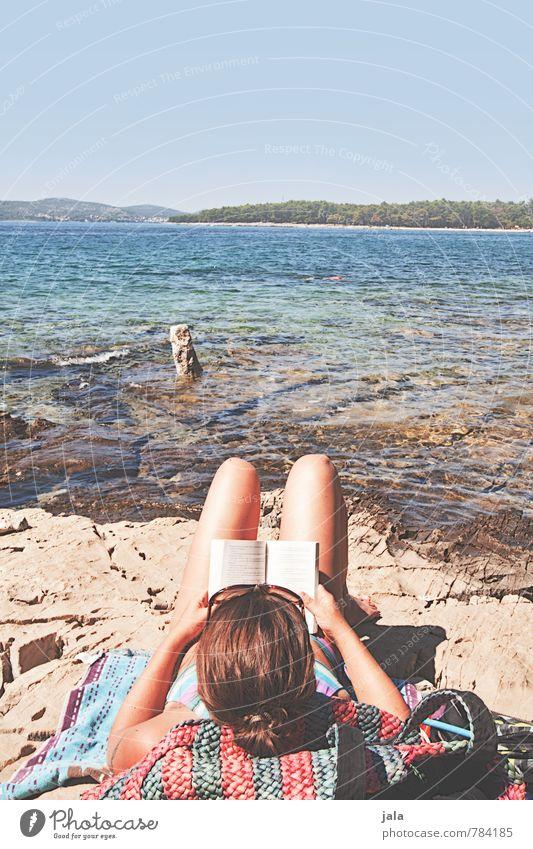 urlaub Mensch Frau Himmel Natur Ferien & Urlaub & Reisen Sommer Sonne Meer Erholung Landschaft Strand Umwelt Erwachsene Wärme feminin Küste