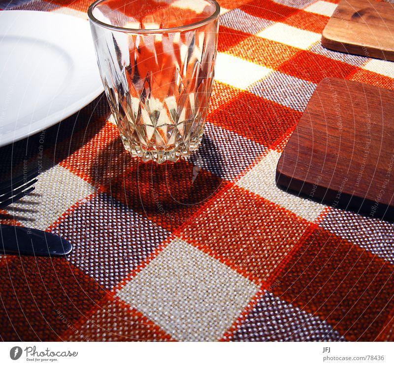 Abendbrot Wasser weiß rot gelb Holz orange Glas leer Ernährung Klarheit trinken Küche genießen Gastronomie Appetit & Hunger Teller