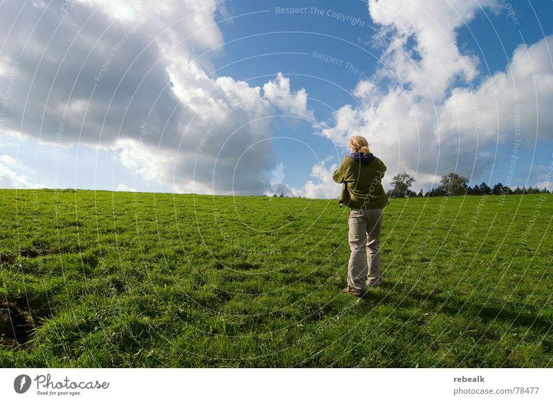 Fotospaß 3 Mensch Mann Natur Himmel Baum grün blau Pflanze Sommer Wolken Wiese Gras Freiheit Landschaft Erwachsene gehen