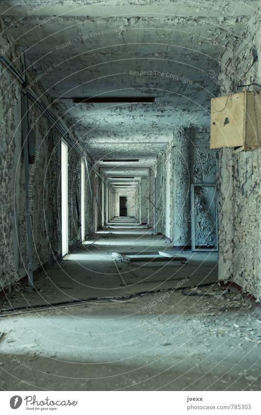 Kein Weg zurück Gebäude Mauer Wand alt dreckig gruselig retro blau schwarz weiß ruhig bizarr Endzeitstimmung Surrealismus Verfall Vergangenheit Vergänglichkeit