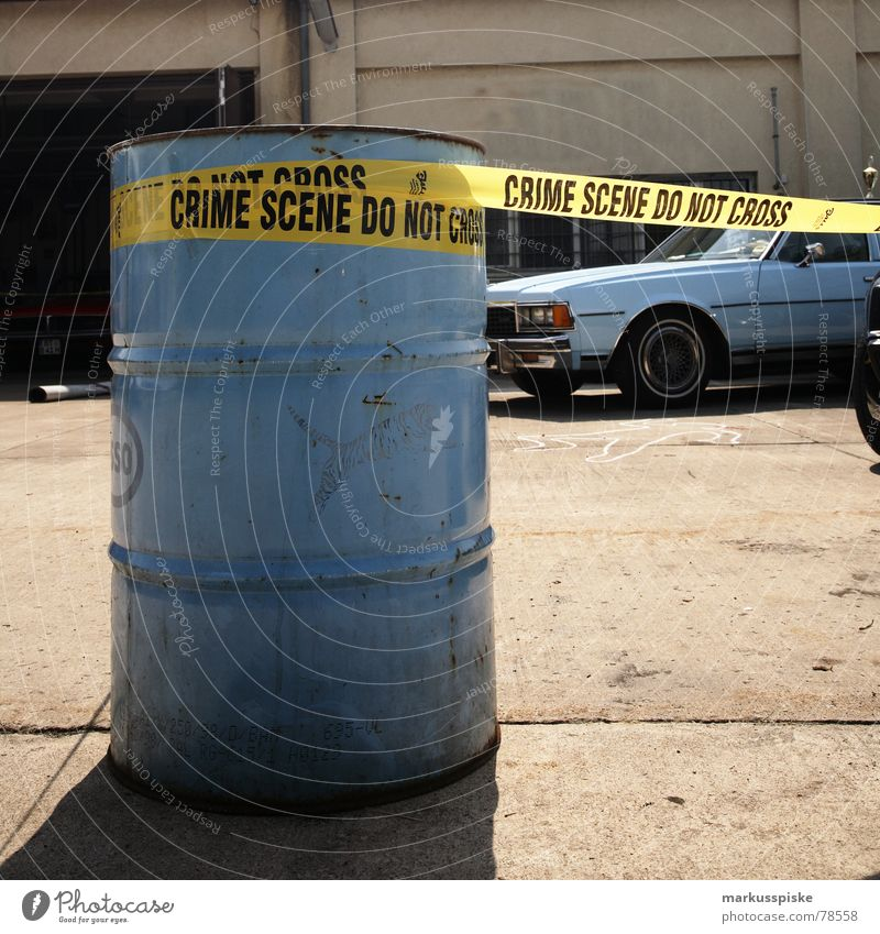 crime scene do not cross Stil PKW Schilder & Markierungen Verkehr Aktion retro USA Erdöl Fahrzeug Grill Scheinwerfer Siebziger Jahre Kriminalität Mord Vorderseite Kühlergrill