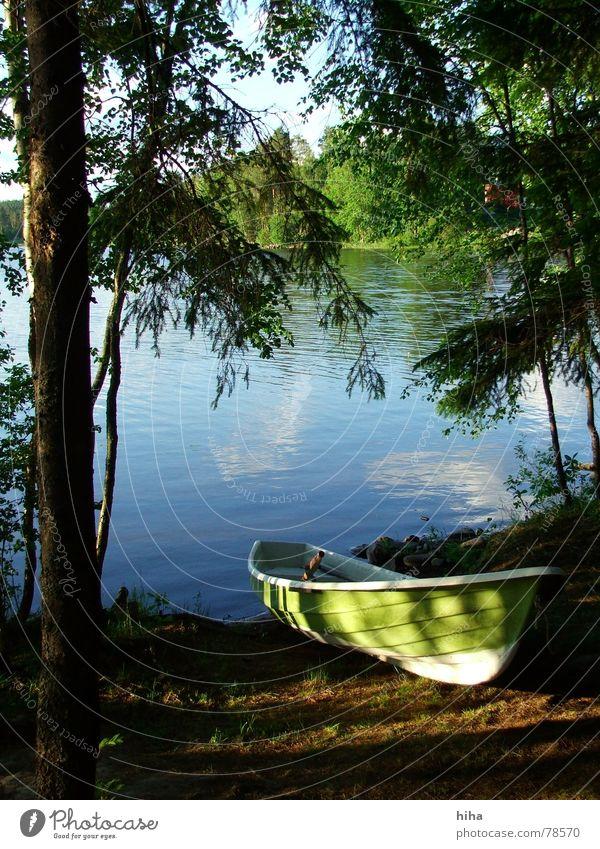 fahren wir?    - Boot am See Wasserfahrzeug Fischerboot Finnland Waldstrand Iisalmi Seeufer boat niemisenranta grünes boot boot am see lake
