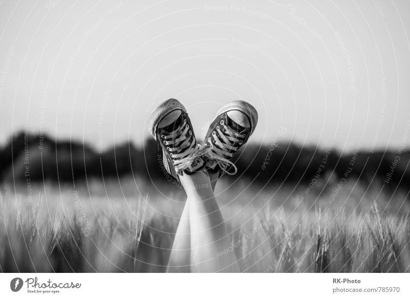 Black White Chucks Mensch Stil Beine Fuß frei Jugendkultur