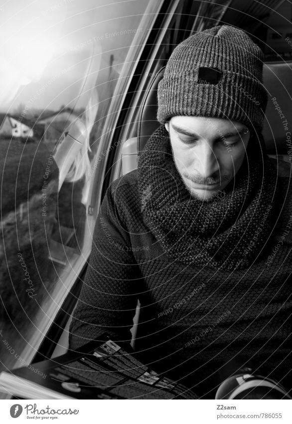 Chris on tour Lifestyle Stil lesen Ferien & Urlaub & Reisen Ausflug Bildung maskulin Junger Mann Jugendliche 30-45 Jahre Erwachsene Mode Pullover Schal Mütze
