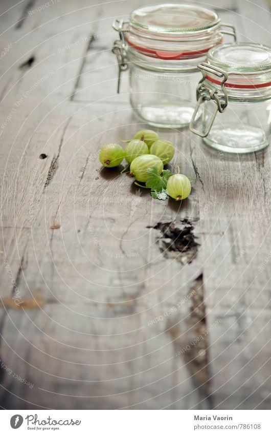Vorbereitung 5 Lebensmittel Frucht Ernährung frisch saftig sauer süß grün Stachelbeeren Marmeladenglas Einmachglas Holztisch Beeren Farbfoto Innenaufnahme
