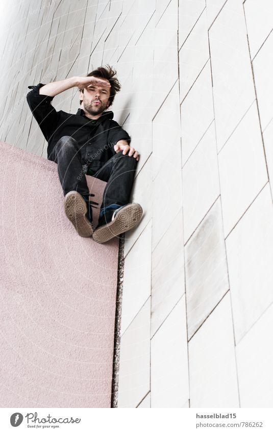 Hoch-sitz Mensch Ferien & Urlaub & Reisen Jugendliche Mann Erholung ruhig Freude 18-30 Jahre Junger Mann Ferne Erwachsene Wand Architektur Mauer Gebäude