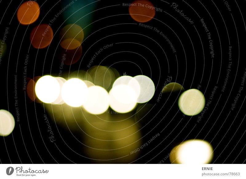 round lights Freude schwarz Farbe Straße Leben dunkel hell Kreis Köln Verlauf unterwegs Nachtleben
