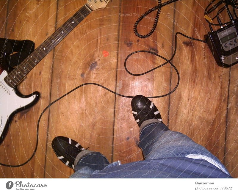 Gitarrenboden Schuhe Kabel Bodenbelag Freizeit & Hobby Gitarre Flur Elektrogitarre Plektron Stromgitarre