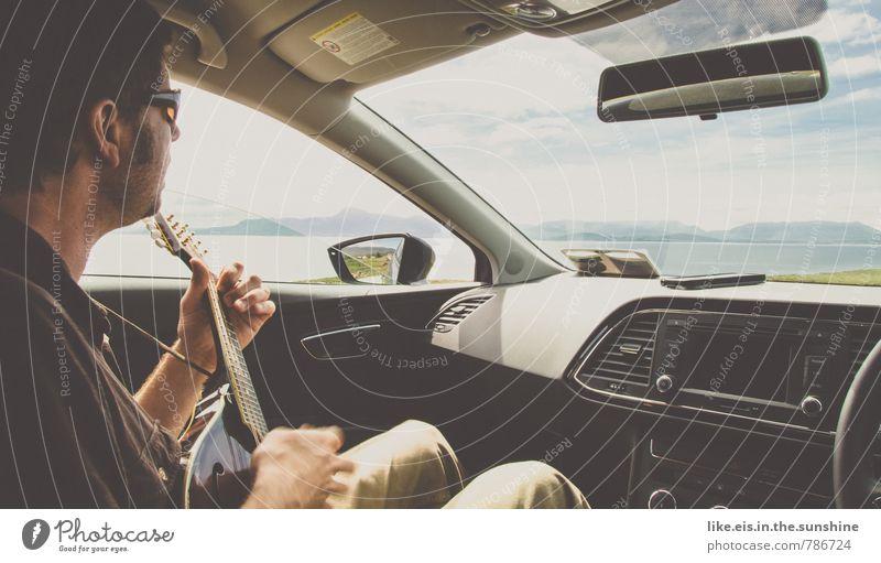 roadtrip durch irland Mensch Ferien & Urlaub & Reisen Jugendliche Mann Meer Erholung Freude Junger Mann Ferne Erwachsene Leben Küste Glück Freiheit