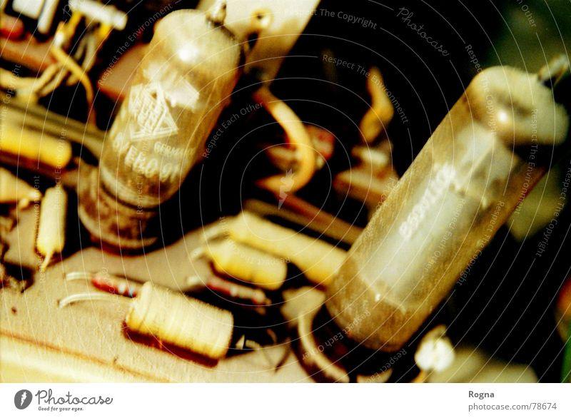 Röhrensalat alt Wellen Glas Kabel Dinge Radio Nostalgie Staub Elektronik Elektrisches Gerät