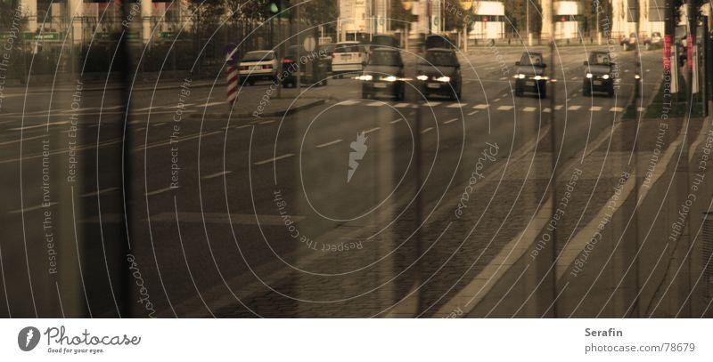 Realitätsschwankungen Straße Fenster PKW Verkehr KFZ Güterverkehr & Logistik Spiegel Mobilität Fahrzeug Verzerrung