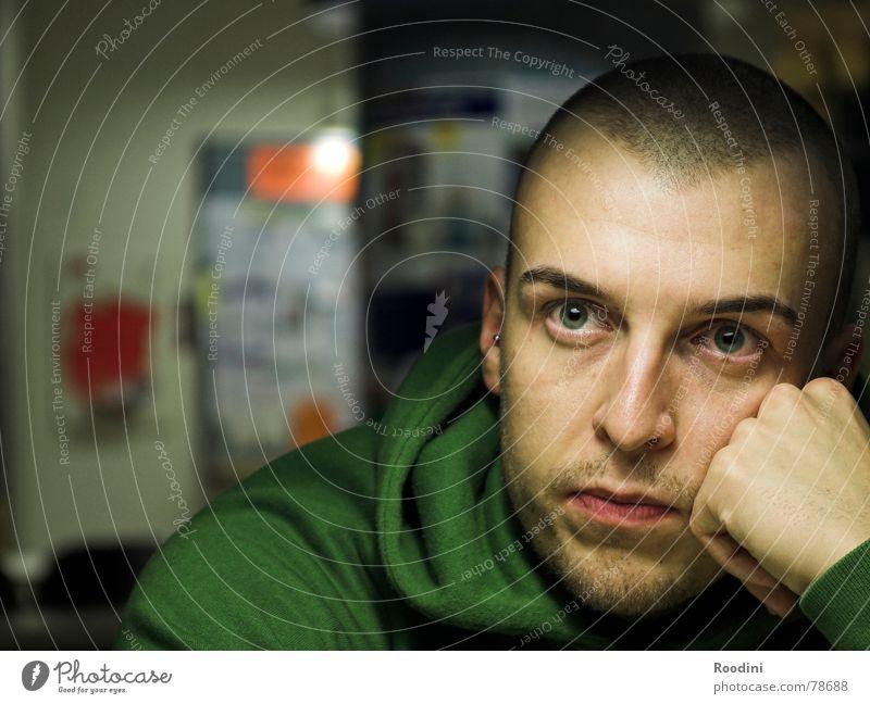 nach vorne schauen Mensch Jugendliche Mann Junger Mann Gesicht Auge Leben Denken sitzen lernen beobachten Studium Vertrauen Student Schüler Fragen