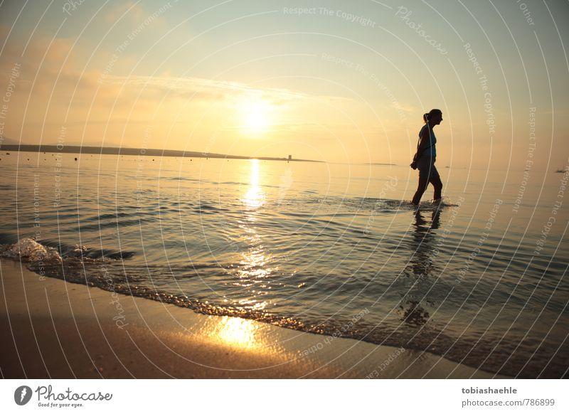 beach sunrise blau schön Einsamkeit Erholung ruhig gelb Wärme Leben Gefühle feminin Wege & Pfade Schwimmen & Baden Gesundheit Stimmung Zufriedenheit Energie