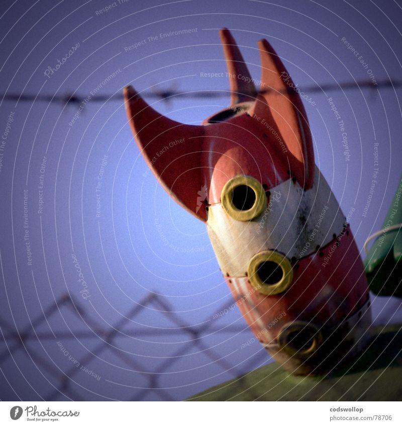 area funfzigundeinhalb Luftverkehr Raumfahrt Flughafen Flugzeug Rakete Stacheldraht außergewöhnlich kaputt Kitsch trist Absturz gestrandet Marsianer Area 51
