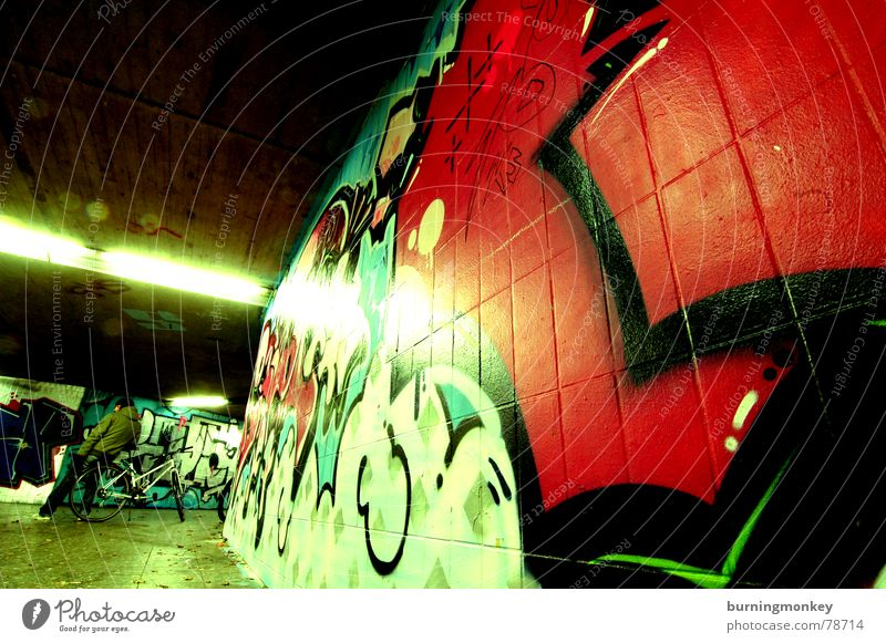 Unterführung II Neonlicht rot Tunnel Langzeitbelichtung Farbe Graffiti
