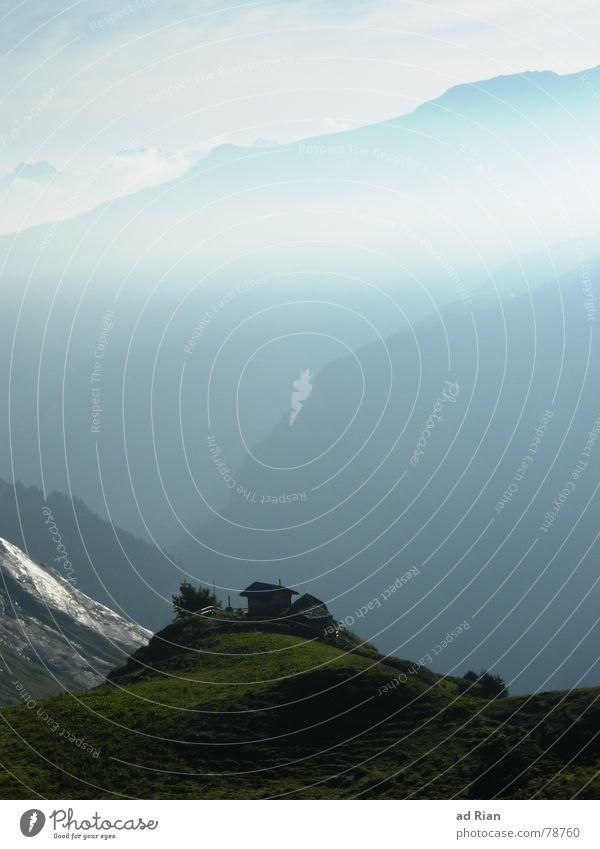 Herbstwanderung ruhig Berge u. Gebirge wandern Natur Landschaft Himmel Wolken Nebel Wiese Alpen Gipfel Kamm genießen blau Bergkette Bergwiese Aussicht Schweiz