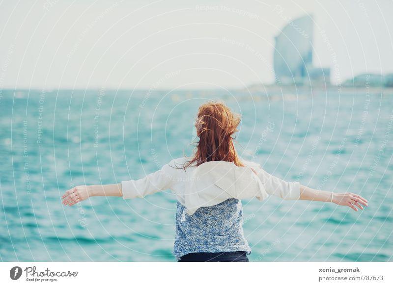 der Meereswind Mensch Frau Ferien & Urlaub & Reisen Jugendliche Wasser Sommer Sonne Junge Frau Strand 18-30 Jahre Ferne Erwachsene Leben feminin