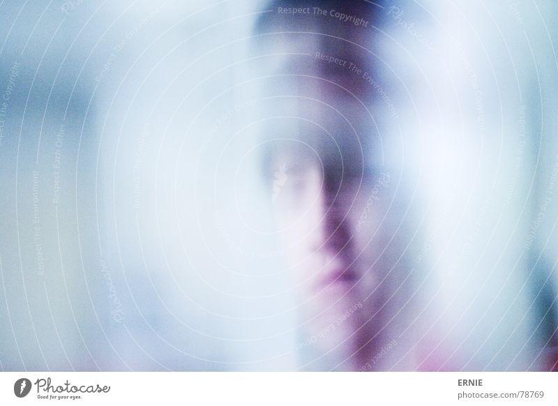 komisches Portrait Porträt dunkel neutral Mensch Mann tablediver unschafr photocase blau Farbe Unschärfe Kopf hell Mund Nase Auge Haare & Frisuren Ecke