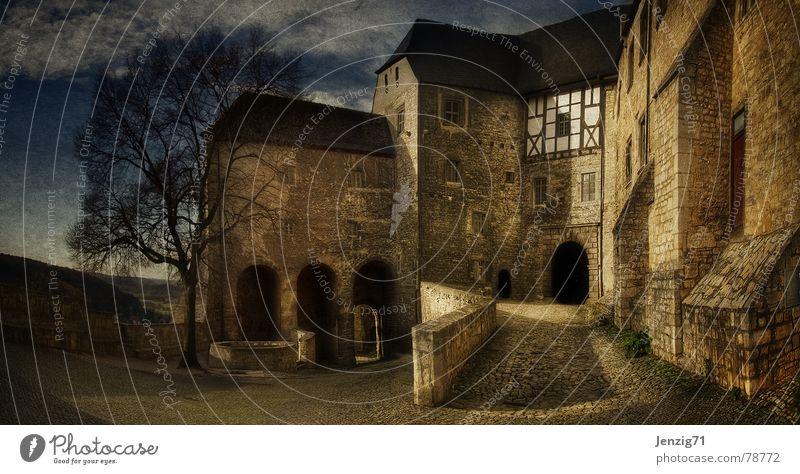 Anno 1090. alt Himmel Haus dunkel Wand Stein Mauer Gebäude Schweiz Burg oder Schloss Vergangenheit Bauwerk historisch Festung