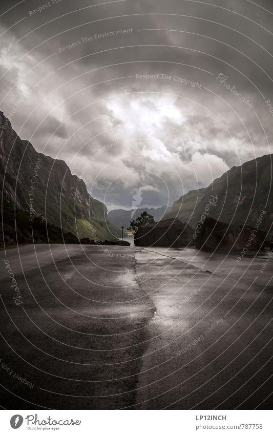 N O R W A Y - GraY - XVII Tourismus Abenteuer Ferne Landschaft schlechtes Wetter Regen Gewitter Felsen Berge u. Gebirge Norwegen Straße Wege & Pfade dunkel