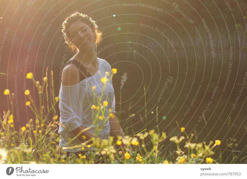 happiness Natur Jugendliche schön Junge Frau Freude Wärme Leben natürlich lachen Freiheit Glück Zeit leuchten Zufriedenheit Energie frei
