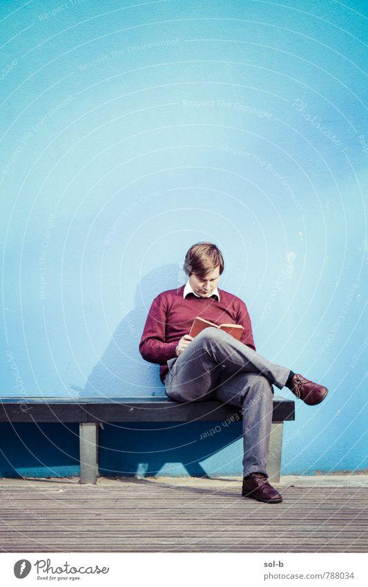 Stille Lifestyle harmonisch Zufriedenheit Erholung Freizeit & Hobby lesen Bildung Erwachsenenbildung lernen Schüler Berufsausbildung maskulin Junger Mann