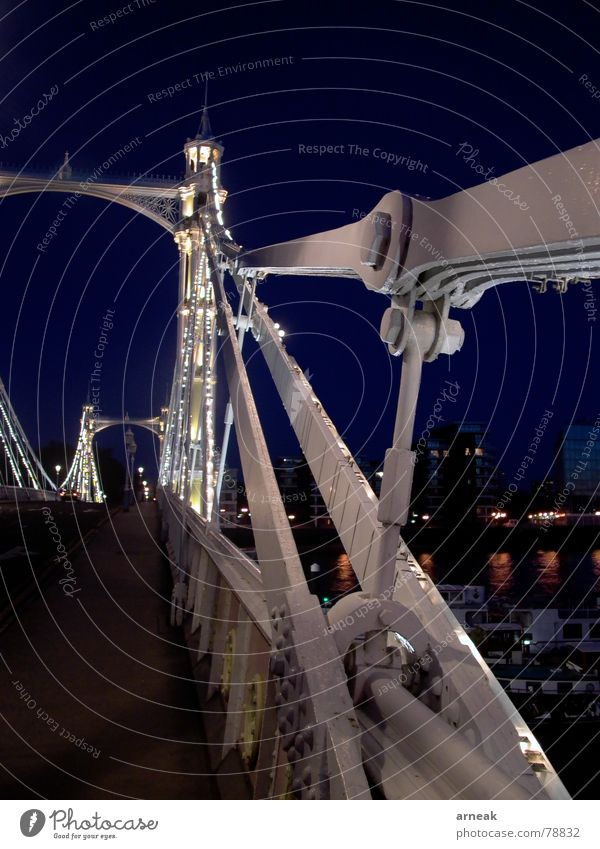 London - Brücke bei Nacht Stadt Verkehr England