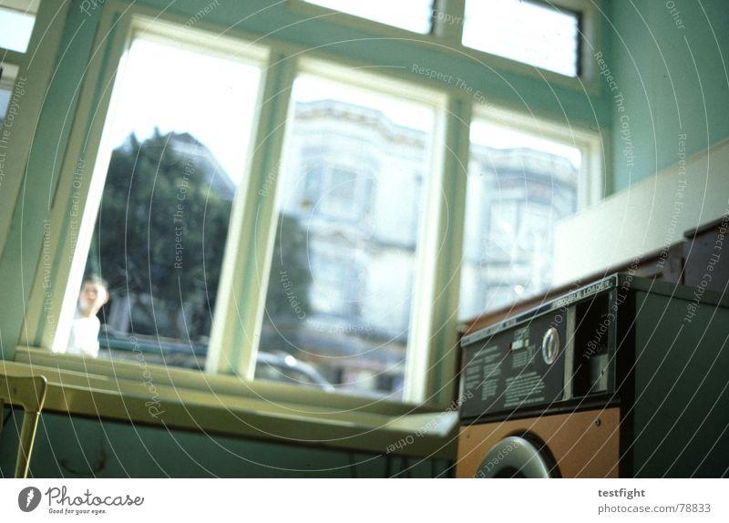 washing machine Waschmaschine Waschsalon Bekleidung Waschmittel Reinigen Wäsche Fenster Physik Gebäude Stadt Dienstleistungsgewerbe old room laundry