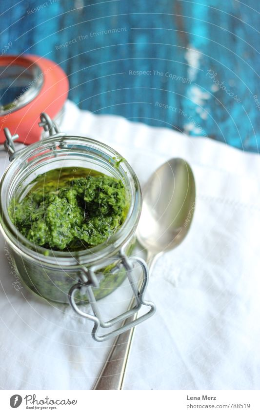 Pesto blau grün Essen Gesundheit Lebensmittel Glas Ernährung Kräuter & Gewürze Picknick Diät Büffet Brunch