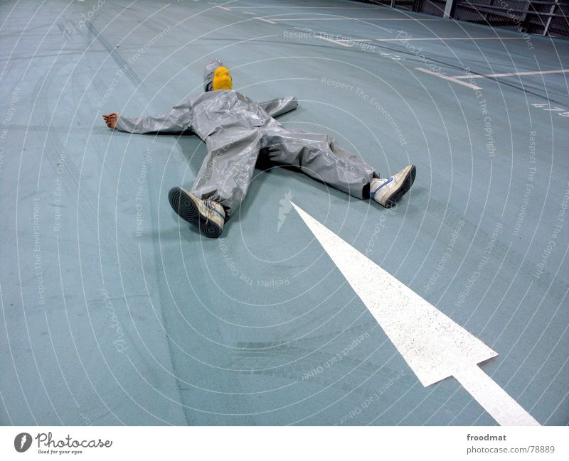 grau™ - spitzenmässig blau Freude gelb grau Kunst lustig verrückt Maske Spitze Pfeil Anzug dumm Surrealismus Parkhaus Gummi sinnlos