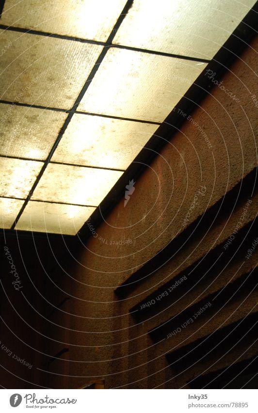 *CITYLIGHT* Haus oben Mauer Beleuchtung Tür Glas Treppe dreckig Ecke Kultur Backstein Theater Kasten Eingang Kino Rechteck