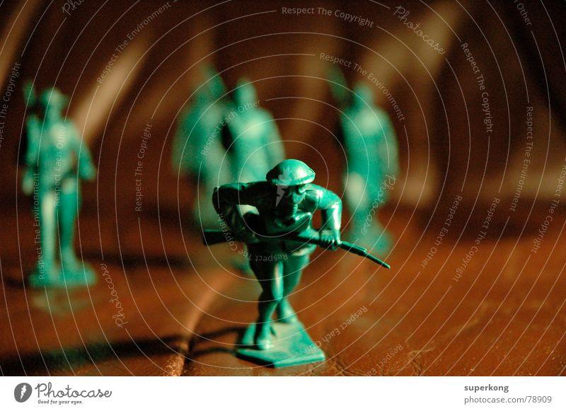 004 grün Kunst braun Spielzeug Krieg Leder Soldat Hass Kunsthandwerk Mars Krieger Wehrdienst Atomkrieg Kriegsgott