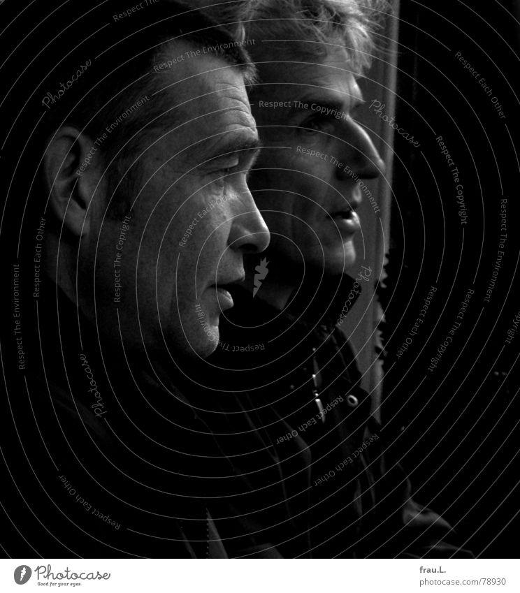 Reden Tischler Mitarbeiter Straßencafé Sitzung Mann Silhouette Porträt dunkel sprechen Freundschaft 50 plus Kommunizieren Gastronomie vorausplanen Profil