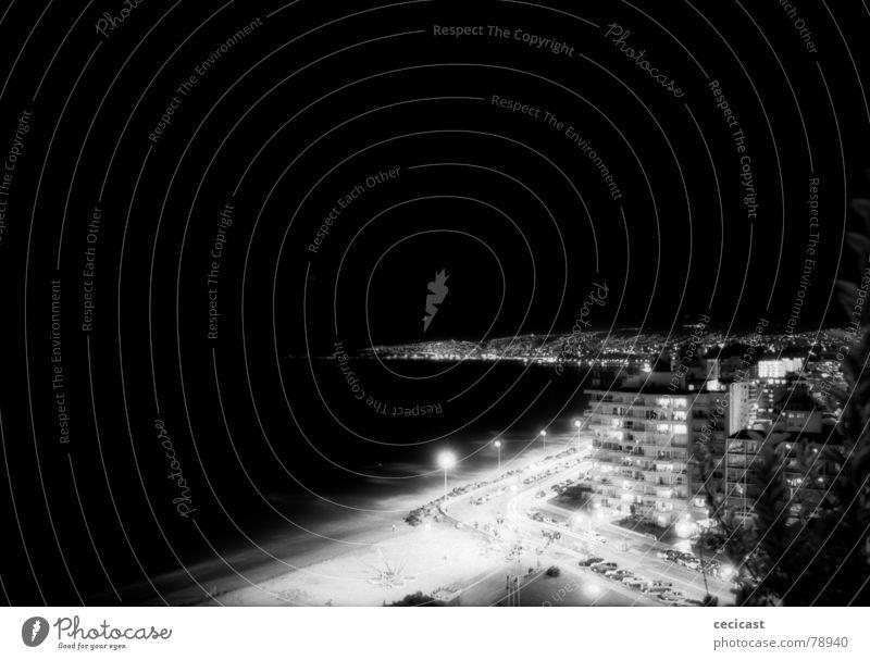night lights Schwarzweißfoto encounter port city buildings exposure burn viña del mar southamerica
