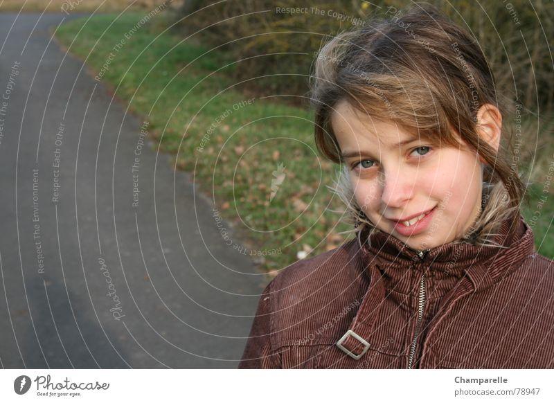 Juliane`s Herbstspaziergang Kind Natur Jugendliche Mädchen Freude lachen Umwelt Spaziergang grinsen Naturphänomene spontan Herbstbeginn
