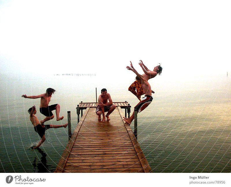 und weg sind sie Wasser Meer Bewegung Schwimmen & Baden warten sitzen nass fallen trocken 5 Steg Wassersport hocken