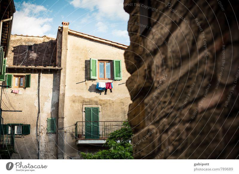 Loro Ciuffenna II Ferien & Urlaub & Reisen Tourismus Ausflug Ferne Städtereise Sommer Sommerurlaub Italien Europa Stadt Altstadt Menschenleer Haus Mauer Wand