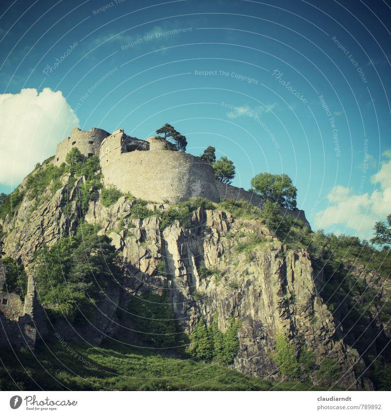 Hohentwiel Himmel alt Sommer Baum Landschaft Wolken Wand Architektur Mauer Felsen Deutschland Schönes Wetter historisch Burg oder Schloss Bauwerk