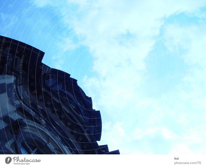 SteinMonster02 Himmel Wolken Religion & Glaube Architektur Perspektive Kirche Dresden Bildausschnitt Barock Sandstein