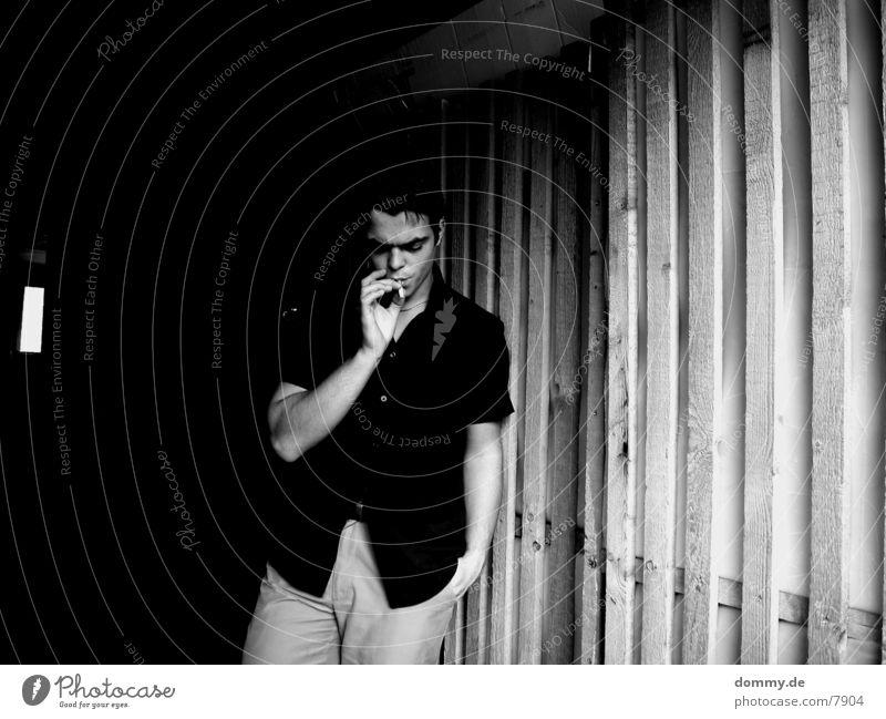 dirtyKELLER part III Keller dunkel Mann Zigarette Zigarettenmarke kalt Hemd Schwarzweißfoto kaz