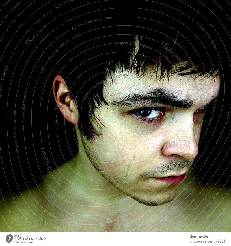 €RNI€ Tag fantastisch Haaransatz Milchverkäufer Mann Kerl Lippen Augenbraue Wimpern Kinn Bart Stoppel Nacht schwarz grün dunkel böse gefährlich interessant