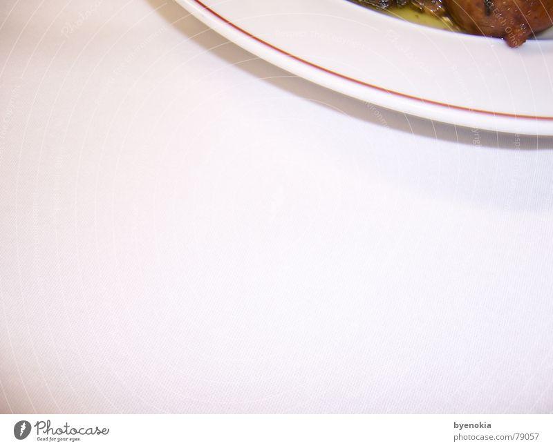 Tellerrand Ernährung Tisch Gastronomie Restaurant Dienstleistungsgewerbe Teller Gastwirtschaft Geschirr München kredenzen Gasthof Tellerrand Ratskeller