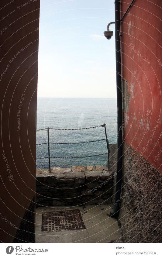 MeerEnge Himmel Wasser Einsamkeit Haus Ferne Wand Wege & Pfade Mauer Zeit Lampe Horizont Fassade Schönes Wetter historisch Zaun
