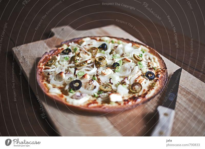 flammkuchen Lebensmittel frisch Ernährung lecker Appetit & Hunger Backwaren Messer Mittagessen Teigwaren Schneidebrett Holztisch