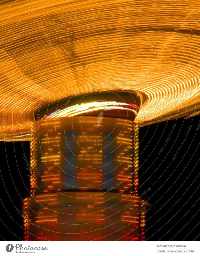 Aber ZZ, ziemlig zügig grün rot Freude dunkel schwarz gelb Beleuchtung Bewegung orange Kreis Jahrmarkt Markt Leuchtturm Dom Lichtspiel Karussell